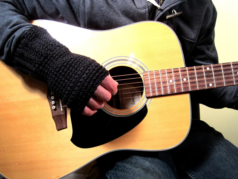 Fingerless gloves for guitarists -  Zoom