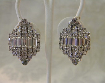 Vintage Glam Large Baguette & Chaton Rhinestone Clip On earrings