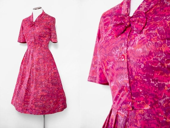 1960s Shirtwaist Dress with Tie Neck Size Large Vintage