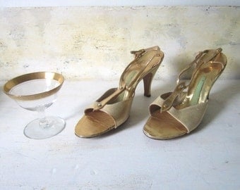 Gold Leather Sandals Open Toed Metallic Gold Shoes Heeled Sandals 1950 Sandals Shoes Eveningwear Dress Gold Sandals Springolaters