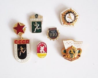 VINTAGE set of 6 PINS. Use in steampunk JEWELRY, mixed media art, assemblage, wear it.