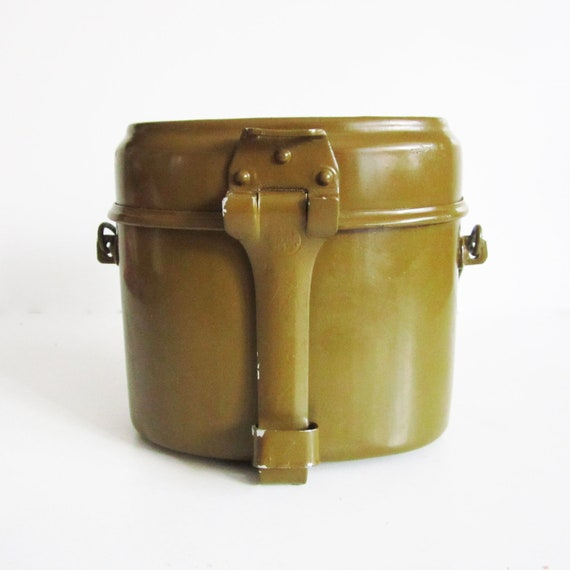 VINTAGE SOVIET mess kit, use for camping, home decor or collect.