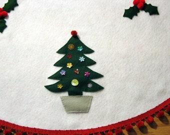 Christmas Trees and Holly, White Felt Tree Skirt, Red Pom Pom Fringe