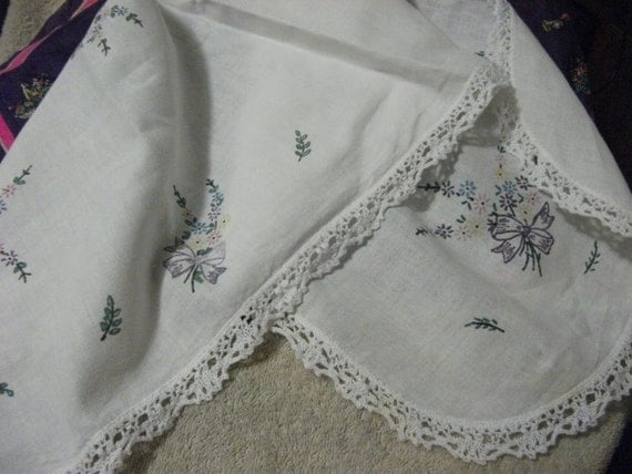 Vintage Linen Table Runner Transfer Printed Ready to Embroider has Crocheted Edges ONLY 4 USD