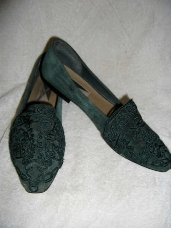Vintage Suede Leather Flats in Forest Green by Mootsies Tootsies size 9 ONLY 8 USD