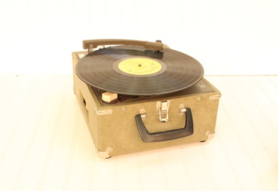 vintage record player, portable, instant replay model 302, Audiotronic corporation