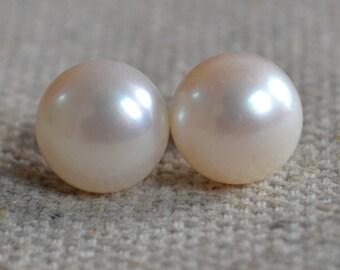 Pearl Earrings - AAA 9-9.5mm Freshwater Pearl Earring ivory pearl Earring pearl stud,real pearl ear rings, women earrings,bridesmaid earring