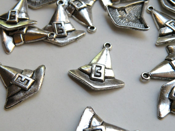 10 Halloween Witch Hat metal charms antique silver 25x23mm TS2578