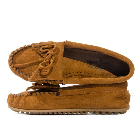 Suede Moccasin Loafers by Minnetonka Fringe Tops size 6