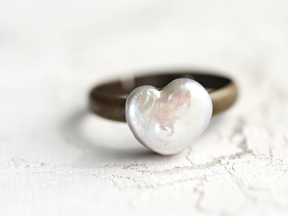 Heart Ring / Pearl Ring - delicate, romantic ring