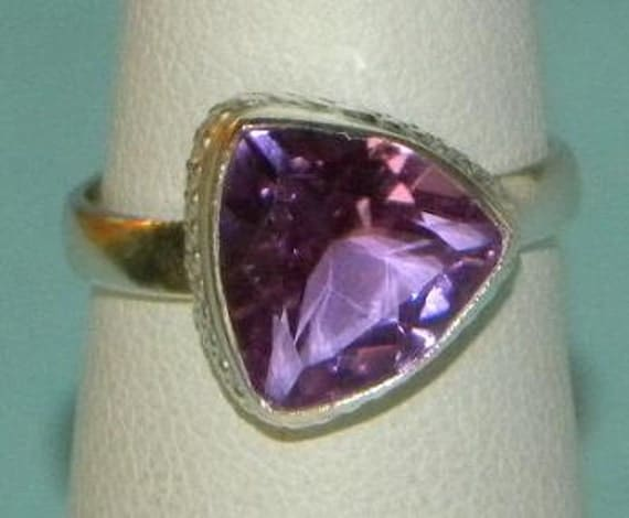 Alexandrite (Lab) Handmade Ring Color Changing Blue and Purple Trillium Gemstone Sterling Silver 925 Band Size 5 1/2 Take 20% Off Sale