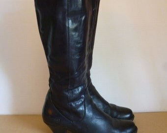 7 1/2 / BORN Black Leather 90's Thigh high, round toe, high heel boot / wide calf / Rubber sole