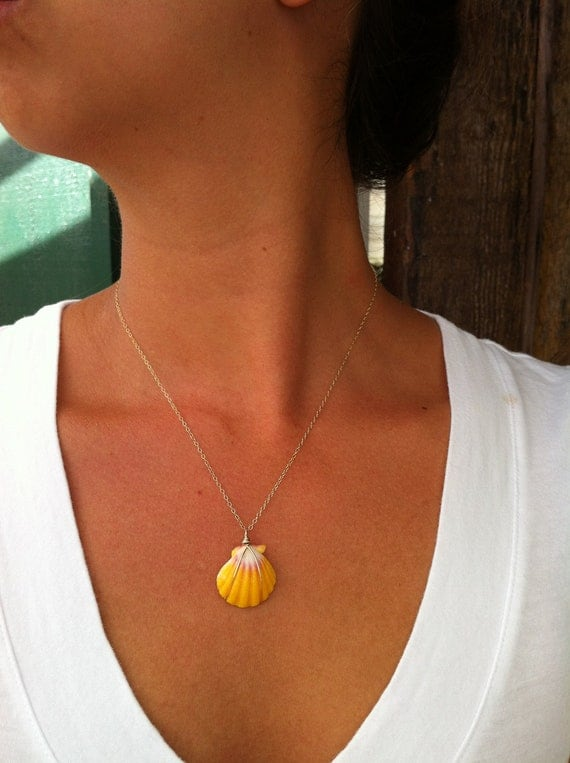 Simple Sunrise Shell Necklace