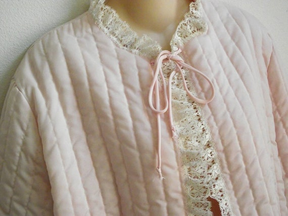 Vintage bed jacket robe pink nylon quilted Barbizon lingerie L