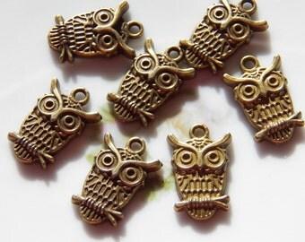 23X15mm Cute Antique Bronze Owl Charm Pendants, 4 PC (INDOC27)