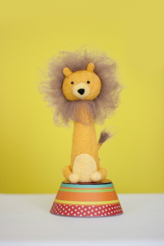 Leonard, needle felted collectable lion