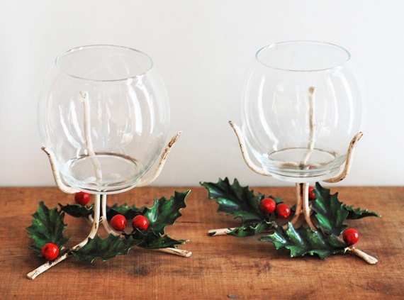 Vintage Mid Century Italian Christmas Holly Berry Toleware & Glass Candle Holders