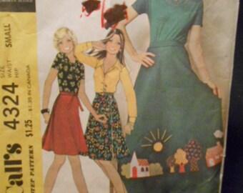 McCalls 4324  Wrap skirt   size:small