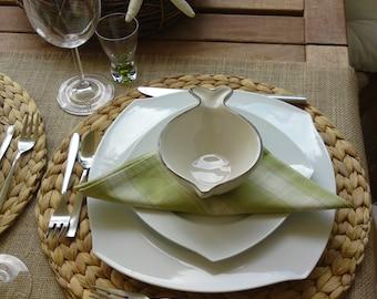 Burlap table runner - beach wedding - rustic wedding decoration - table settings