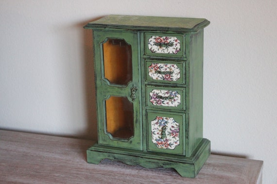 Painted Green  English Cottage Style Vintage Jewelry  Box