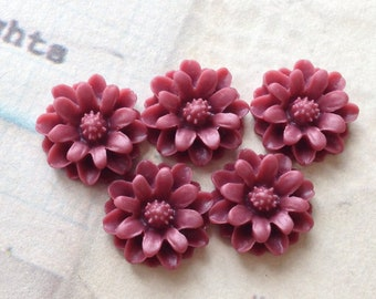 12 mm Umber Red Little Daisy Chrysanthemum Resin Flower Cabochons  (.tu)