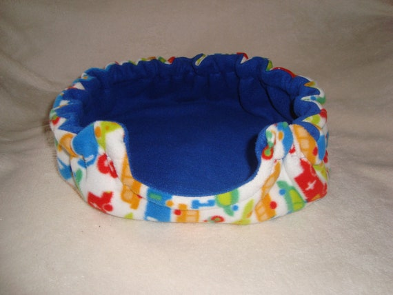 Round bed for small animals- guinea pigs, hedgehogs, rats