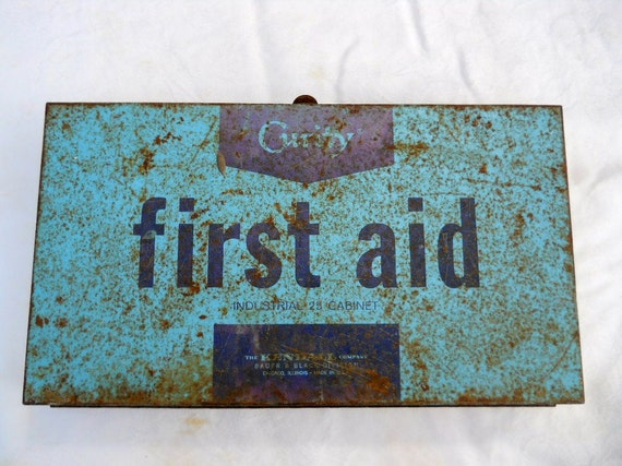 metal First Aid Kit box wall art supply home decor Nurse Doctor antique