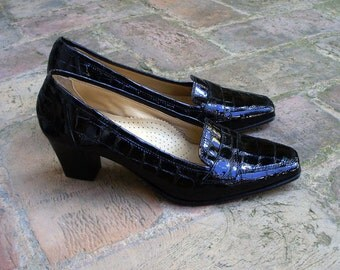 vintage black patent genuine leather pumps high heeled shoes size US 8, EUR 38.5, UK 5.5, made in Italy, never worn