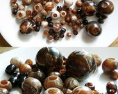 101 Brown / Cream Plastic Marbled Beads