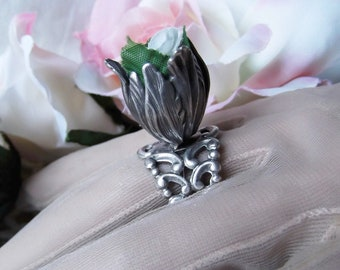 Silver Plated Tulip Bead with White Fabric Rose