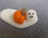 Needle felted miniature ghost with orange pumpkin fall or halloween decoration gift under 20 eco friendly