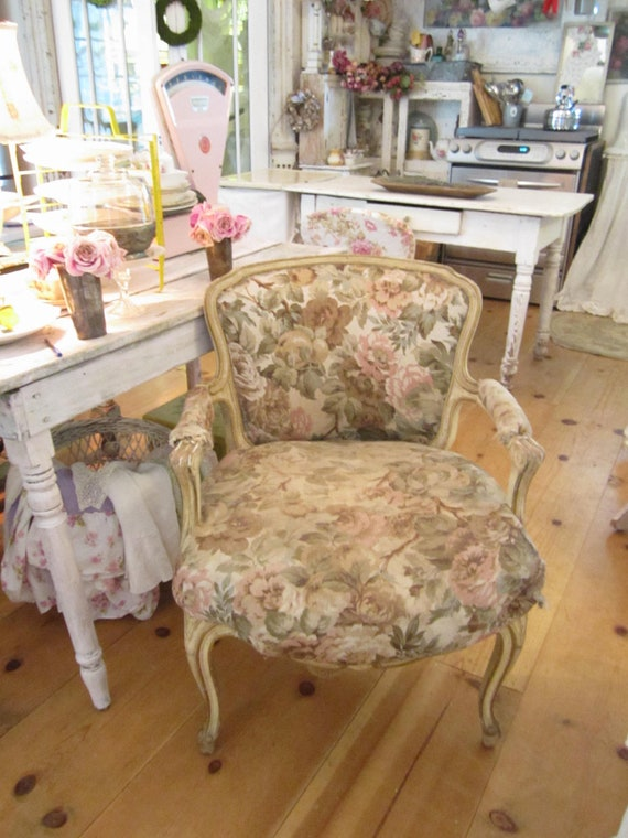 Beautiful Vintage Overstuffed French Chair Shabby Chic Prairie