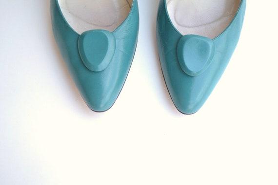 flirty 80's turquoise heels sz 8.5