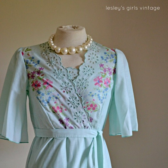 """Nightdress Negligee Gown Set, vintage 1970's St Michael // """"Sultry Morning Nightset"""" from Lesley's Girls Vintage"""