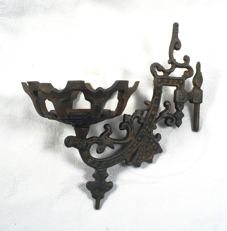 Antique Kerosene Wall Sconces : Vintage Cast Iron Wall Sconce for Oil Kerosene Lamp