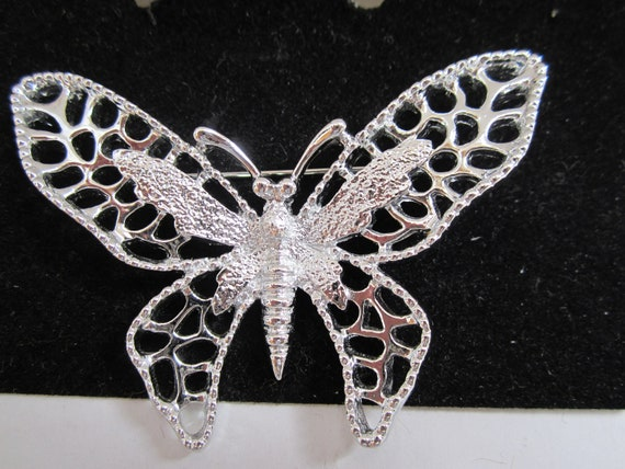 Sarah Coventry Silver Toned Butterfly Brooch Vintage 1971