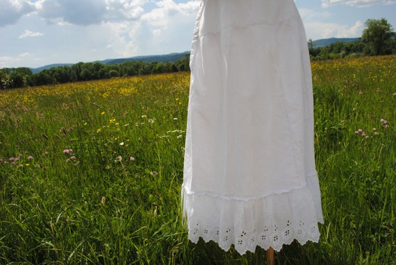 Antique Victorian/Edwardian white cotton petticoat with scalloped broderie anglaise frill