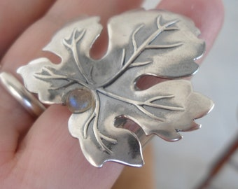 Sterling Silver Textured band Ring - Maple Leaf with Moonstone ring - size 6