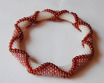 Bead Crochet Bangle: Criss-Crossing Drops