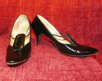 Black Patent Leather Shoes Front Elastic Rope Detail by Juliano Size 7
