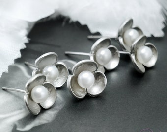 Set of 5 - Pearl post earrings, Bridesmaids earrings, Silver stud earrings, Tiny flowers, Bridesmaid gift sets, Bridal jewelry