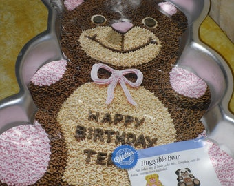 Huggable Teddy Bear Cake Pan by Wilton with Instructions 2105-4943