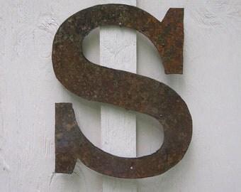 "Metal letter ""S"""