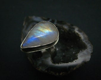 natural teardrop moonstone fine silver ring