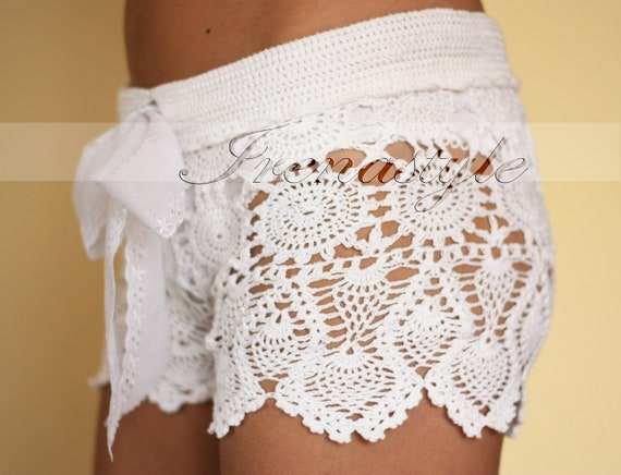 Crochet pants. Crochet beach shorts in cotton Custom made to order, Lace Shorts, crochet handmade, crochet shorts   Kate Hudson Size S - M