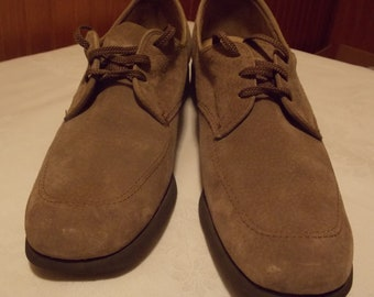 Womens Hush Puppies...like NEW, Light Tan Leather Size 8
