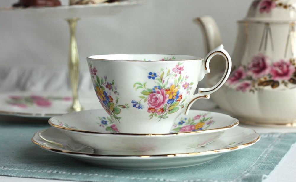 Elegant Bone China Tea Set Royal Standard By