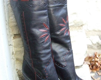 Stylish Vintage Black Leather Boots with Brown Leather Detail US Size 8 B