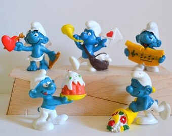 Smurfs Vintage Toys Lot of 5 Figures Love Gift Heart Flowers Sweets Original Vintage Smurfs 1980 TV cartoon collectible pvc plastic