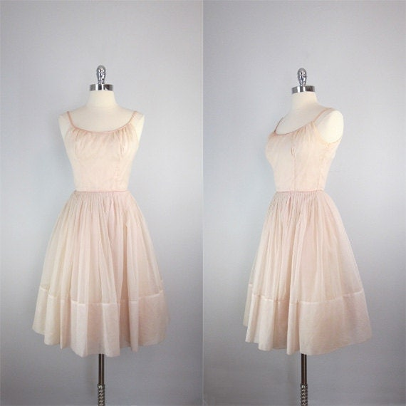 1950s dress / blushing pink / full skirt / cupcake party dress / prima ballerina